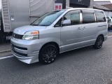 トヨタ ヴォクシー 2.0 X
