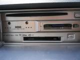 CD,MD,DVD,PCカードスロットル。