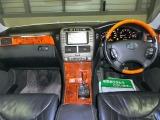 フル装備!HID&フォグ・ABS・CD・DVDナビ・Bモニター・キーレス・ETC・パワーシート・オートエアコン・など嬉しい装備です!(全て現状でのお渡しです)