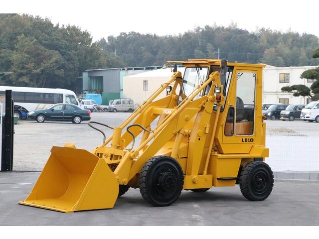 その他 日本 /その他 日本  ショベルローダー 2.5トン タイヤ新品
