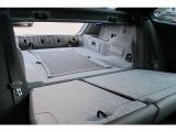 BMWアルピナB3ビターボクーペトランクからリアシートをスルー出来ますので、大きなお荷物もOKです。ぜひご家族で楽しんでください。