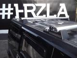 純正のルーフラックが装備されています!HUMMERのロゴは通常エンボス加工ですが、この車両はクロームのレターロゴが装着されており細部にまでこだわりが感じられます!