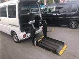 三菱 ミニキャブバン 車いす仕様車 テールゲートリフト式 4WD