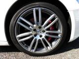 OP品ウラーノ20インチアルミF8.5j R10.5J オプション品ハイグレードレッドキャリパーブレーキ タイヤ=ピレリーP ZERO フロント245/40ZR20リア285/ZR35(残溝5cm)
