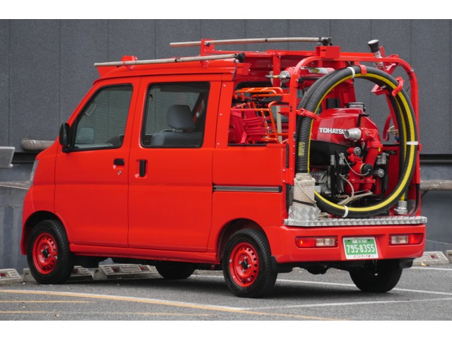 ダイハツ ハイゼットデッキバン 4WD 消防ポンプ平成30年点検済 4人乗消防車