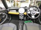 フル装備!HID・ABS・CD・キーレス・ETC・フォグ・オートエアコン・など嬉しい装備です!