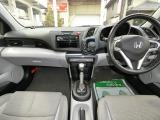 フル装備!HID・ABS・CDスマートキー・・ETC・フォグ・オートエアコン・など嬉しい装備です。
