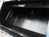 エンジンの排気量は4,570ccのCNG(天然ガス)になります。