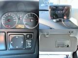 ☆タコメーター、レーダー探知機、電動格納ミラー、運転席バニティミラー。