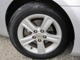 ガラスコーティングは車のボディーに硬いガラス皮膜を塗る事で小傷防止になります。撥水効果もありますのでワックスなど必要なく水洗いのみで大丈夫ですよ♪