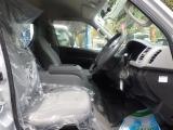トヨタ ハイエース 2.7 DX ロング ミドルルーフ