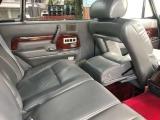 助手席の位置と角度を調整することでリアシートでのオットマンをお好みのポジションで使用可能です!