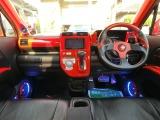フル装備!HID・ABS・CD・DVD再生・HDDナビ地デジフルセグTV・キーレス・ETC・LEDフォグ・ベンチシート・オートエアコン・など嬉しい装備です。