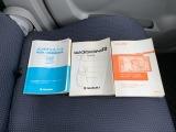 車両の取扱説明書、新車保証書、ナビのがございます
