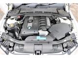 直列6気筒DOHCエンジン搭載!!最大出力218ps(160kW)/6100rpm、最大トルク27.5kg・m(270N・m)/2400〜4200rpmを発生!