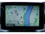 純正HDDナビを装備。フルセグTV・Bluetooth・ミュージックサーバー・AUXをはじめ、DVDやCDなど様々なメディアに対応しています。ETC車載器・バックカメラも備えます。