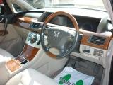 ☆運転席になります☆広々とした運転席で、長距離ドライブも快適ですね☆