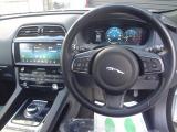 ジャガー Fペイス 20d ピュア 4WD