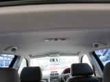 天井はキズ汚れの少ない、とても綺麗なお車です