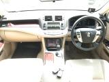 トヨタ クラウン 2.5 ロイヤルサルーン i-Four スペシャルパッケージ 4WD