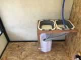 こちらは簡易上下水装置になります。タンクの容量など地域により規定があるので注意が必要です。