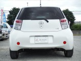 トヨタ iQ 1.0 100X 2シーター