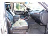 キャデラック エスカレード プレミアム 4WD