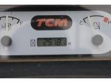 インジケーター点灯不良の為、メーター交換しております。 その為、アワーメーターは現状0hrsとなっております。