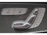 前席は電動シートとなっており、お好みのポジションに設定可能です。寒い時期に嬉しいシートヒーターも完備しております。