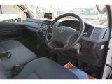 ハイエースバン 3.0 DX ディーゼル 4WD 1t 中温冷凍車 3人乗り 4ドア