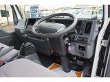 タイタン 3.0 高床 ディーゼル 1.5t Sタイヤ 平ボディ