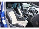 専用のシートはフィット感・座り心地良く長距離のドライブでも疲れを感じさせません。