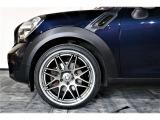 ホイールには、Y'zレーシングホイール20インチ新品装着。タイヤも新品になります。