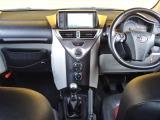 トヨタ iQ 1.3 130G MT レザーパッケージ