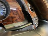 サスペンションはフロントがダブルウィッシュボーン式でリアはマルチリンク式を採用!エアスプリングと先進的な電子制御ダンパーを装備◎ドライバーが意識することなく「自動的で継続的に際限なく」調節し最適化!