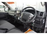 レジアスエース 2.8 DX ロング GLパッケージ ディーゼル 4WD 3/6/9人乗り 4ドア