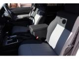 運転席、助手席共にシートは綺麗で状態は良好です☆