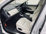 メーカーオプションの電動14Wayメモリー機能付パワーシート&シートヒーターが装備されています。運転席・助手席共に使用感もほとんどなく、とても綺麗な状態です。レザーシート表皮の擦れも見受けられません。