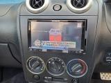 ナビ・ラジオ・Bluetooth・CD・DVDのメディアがお使い頂けます。これだけ付いていればドライブもより一層退屈せずお楽しみ頂けます!