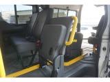 はねあげ 出来るシートですので後席へのアクセスもしやすいです
