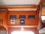 電圧計 集中パネルスイッチ