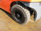 左後輪エアタイヤ 格安にて新品ノーパンクタイヤに交換できます‼