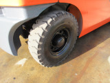 右後輪エアタイヤ 格安にて新品ノーパンクタイヤに交換できます‼