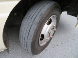 全タイヤサイズ:205/80R17.5  スタッドレスタイヤ 前輪左右:3mm残!