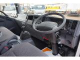 エルフ 3.0 ワイド 超ロング フルフラットロー ディーゼル (2.4t) 4WD 4段クレーン付