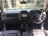 ジープ・パトリオット リミテッド 4WD 黒革HDDナビ 16AWデュアルマフラー