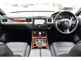 トゥアレグ V6 アップグレードパッケージ 4WD 黒革・ナビ・TV・ドラレコ・クルコン