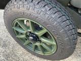 タイヤは、TOYO製オープンカントリーを装着。サイズは純正サイズと同じサイズを選択しています。