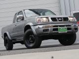 ダットサンピックアップ 2.4 AX キングキャブ ガソリン4L切替式4WD4キングキャ