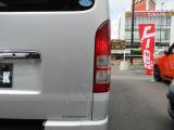 ライト類は距離相応で痛みも少なく綺麗を保たれている車両になります。